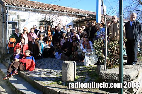 Los visitantes se reunieron en el albergue del peregrino en Fuenterroble para comer