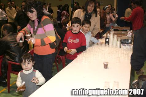 Los asistentes a la última jornada de Guijuelo Diver disfrutaron de chocolate con churros