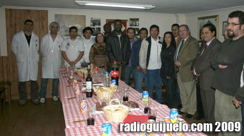 Los alumnos del curso con los instructores y el presidente del AOEDR