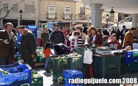 Imagen de la celebración del mercado en la Plaza Mayor