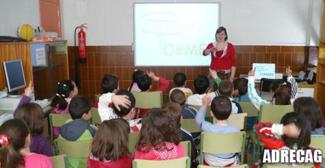 Un instante de las charlas a los alumnos del Filiberto Villalobos