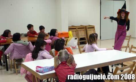 Beatriz Montero durante la celebración del taller de aprendiz de mago del mes pasado