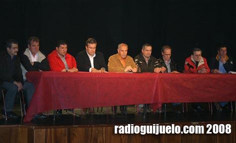 La Junta Gestora junto con Julián Ramos en la Asamblea General del Club Deportivo Guijuelo