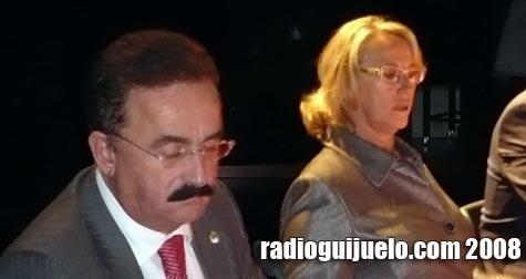 La presidenta de la Diputación durante la inuguración del V foro de REGTSA con Avelino Pérez en primer plano