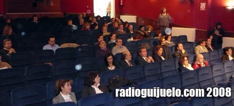 El teatro del Centro Cultural se fue llenando a medida que avanzaba la jornada