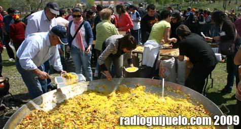 El Ayuntamiento ofreció paella a todos los presentes