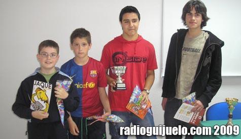 Los jóvenes ajedrecistas campeones del pasado sábado
