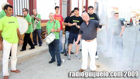 Isaías Hernández, alcalde pedáneo, se encarga de abrir los festejos