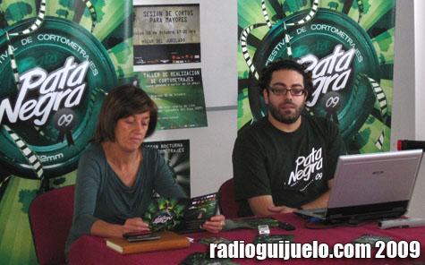 Momento de la presentación con la concejal de Cultura Maye Álvarez