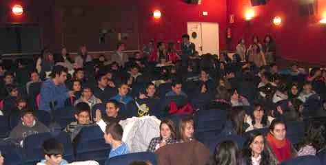 Los alumnos de ESO en el teatro del Centro Cultural