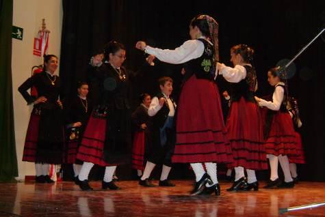 El Grupo Folclórico El Torréon durante el evento