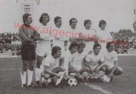Isidro Díaz con el Madrid en su época de jugador (segundo por la derecha en la fila de atrás)