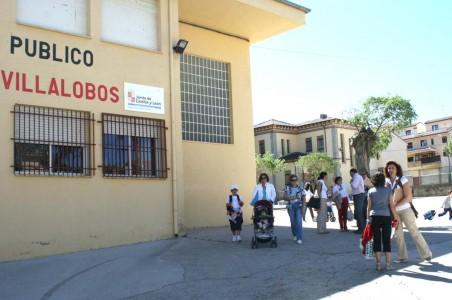Salida de los alumnos del Filiberto Villalobos