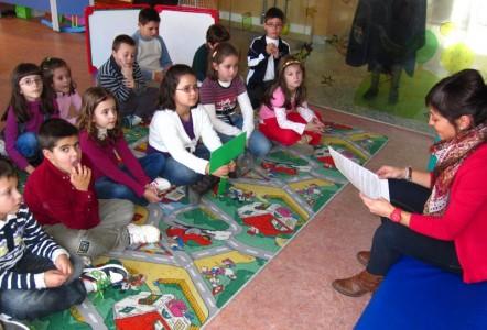 Actividad en la sala infantil de la Biblioteca