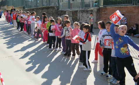 Carrera solidaria para 'Save the Children' en el Filiberto Villalobos.  Foto archivo