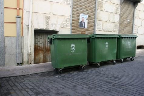 Contenedores de basura en el centro de Guijuelo
