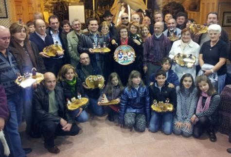 Foto de familia con los premiados en el concurso de belenes de Acasan. Foto archivo.