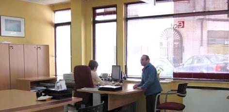 Un demandante de empleo en la oficina del Ecyl en Guijuelo. Foto archivo