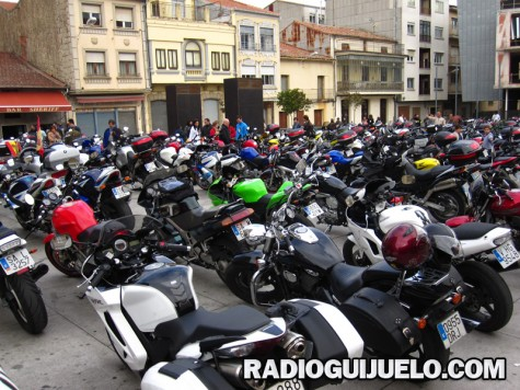 Imagen de las motos en la plaza Mayor. Foto archivo