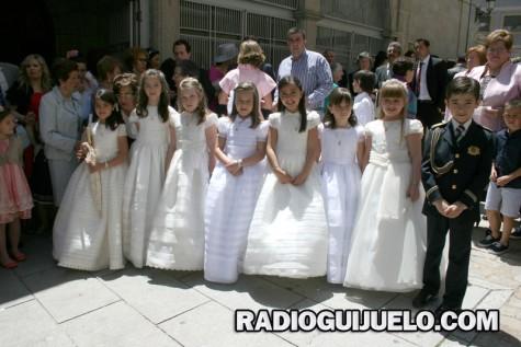 Niños en su Primera Comunión en Guijuelo. Foto archivo