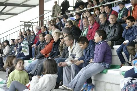 Público en el Municipal de Guijuelo