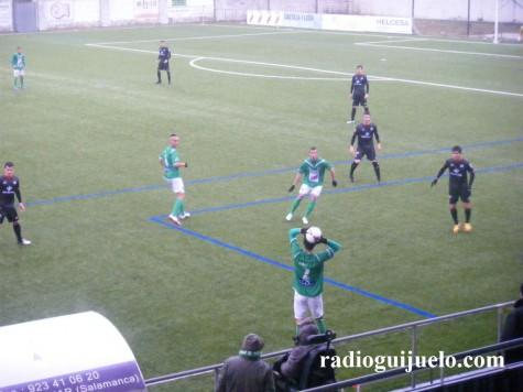 El Guijuelo no puede pasar del empate en el Municipal ante el Zamora.