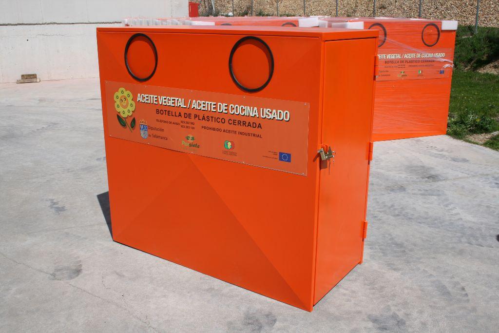 La comarca recibe 10 contenedores para reciclar aceite for Reciclar aceite de cocina