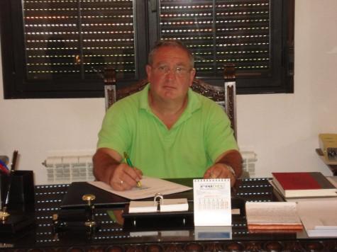 Carlos Parra alcalde de Ledrada. Foto web Ayuntamiento de Ledrada
