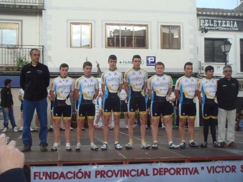 Álvaro Sánchez con su nuevo equipo