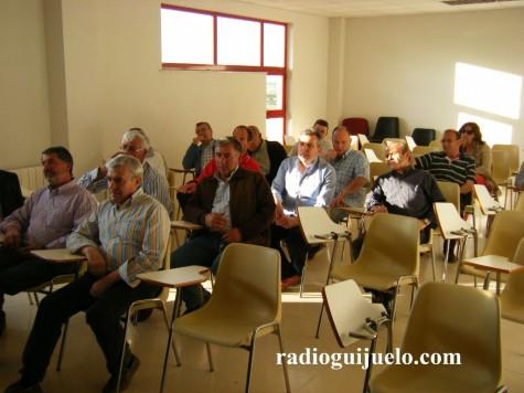 Socios en la Asamblea del C.D. Guijuelo
