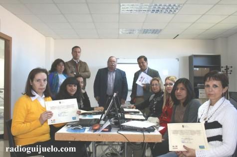 Entrega de diplomas en el curso de informática impartido en Guijuelo