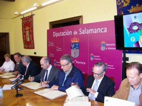 Firma del convenio de colaboración  entre los Grupos de Acción Local y la Diputación Foto Salamancartv.com