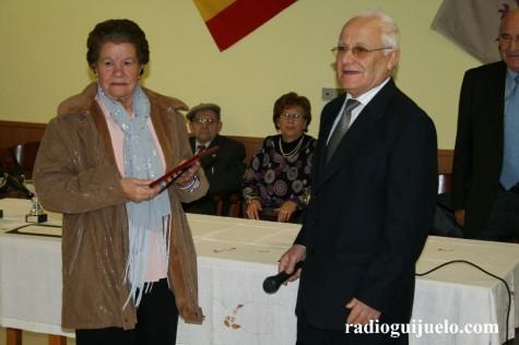 Entrega de placas a los mayores en el Hogar. Foto archivo