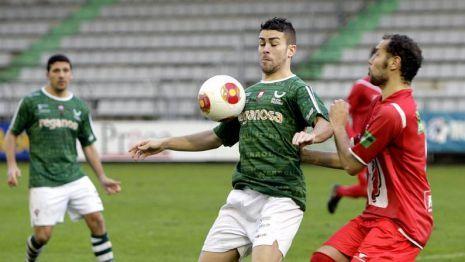 Empate entre el Racing de Ferrol y el Guijuelo en A Malata. Foto lavozdegalicia.es