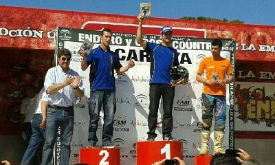 Lorenzo Santolino en el podium de Huelva. Foto Federación Española de motociclismo