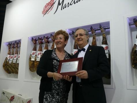 Entrega del premio a José Sayagués. Foto Marcial Castro