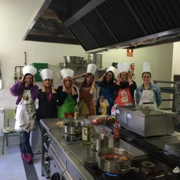 Alumnos del curso de cocina. Foto archivo.