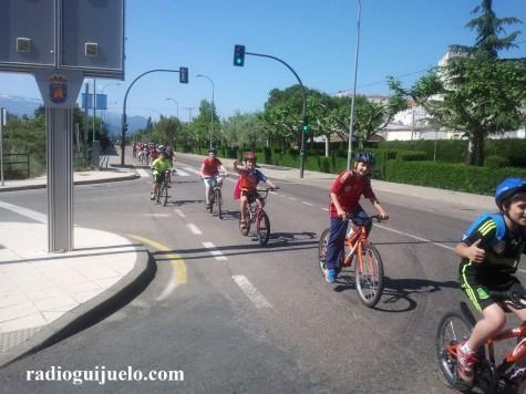 Alumnos del Miguel de Cervantes de ruta por Guijuelo