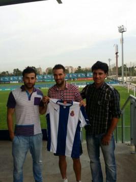 Ángel Martinez firma con el Espanyol. Foto twitter Ángel Martínez