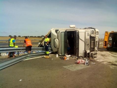 Accidente en la entrada norte de Guijuelo. Foto Twitter Esther F.M.