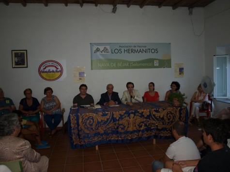 Presentación de un libro en Nava de Béjar. Foto Isidoro Sánchez