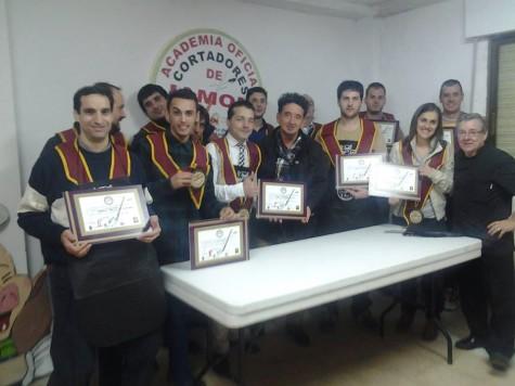 Aumnos de la Academia de cortadores de Jamón de Guijuelo. Foto Jesús Merino.