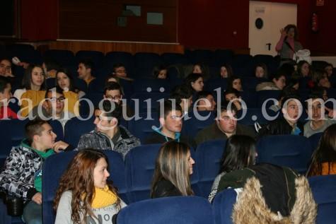 Alumnos de 4º de ESO del IES en el teatro del Centro Cultural.