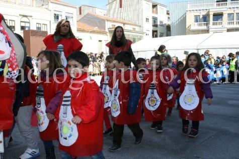 Un grupo de alumnos en el desfile de Carnaval. Foto archivo.