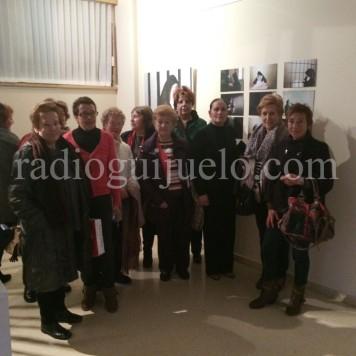 Asistentes a la inaguración de la exposición de Elisa Merino.