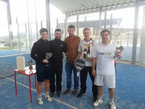 Ganadores del torneo de pádel. Foto club guijuelense tenis y pádel.