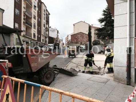 Obras en la calle Chinarral.