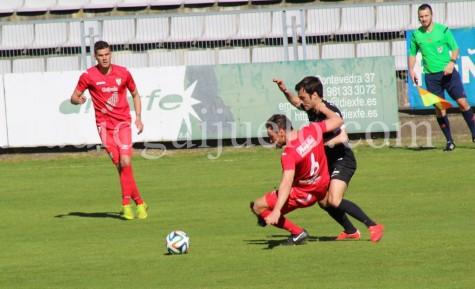 Derrota del CD Guijuelo en A Malata ante el Racing de Ferrol.