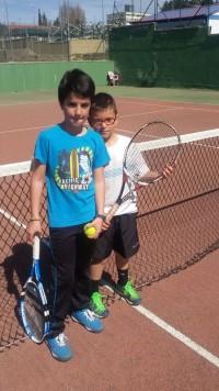 Alumnos del club guijuelense de tenis y padel