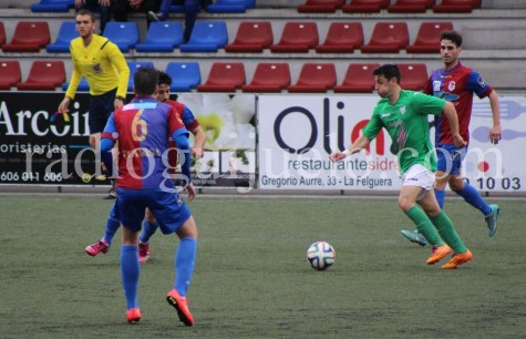 Fran Pastor autor del primer gol del Guijuelo ante el Langreo en el Nuevo Ganzábal.
